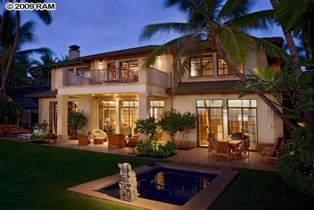 Britney spears on maui 3 wailea homes she would love for Beachfront home plans