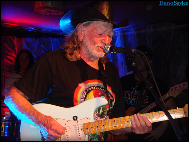 Willie Nelson playing at Charleys Maui